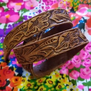 VTG Gorgeous Tooled Floral Brown Leather Belt